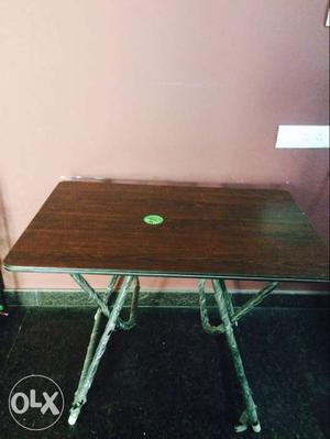 New Table in excellent condition available for