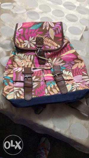 A brand new bag with superb quality n brand. not