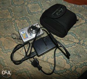 Sony cybershoot digital camera good quality pics