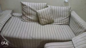 Sofa set (3) with 5 big pillow and 4 small