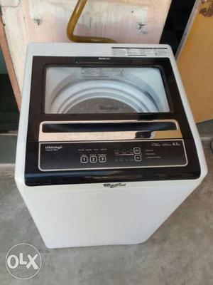 White And Black Whirlpool Fully-automatic Washing Machine