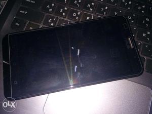 Asus Zenfone 2 (Silver, 32 GB) (4 GB RAM)