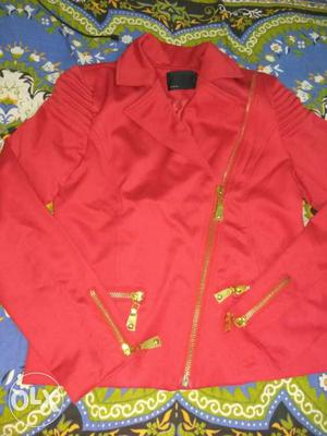 Smart jacket for girls with a brand of DEAL. It is in good