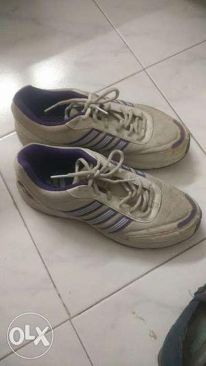 Original Adidas shoes women in good condition..