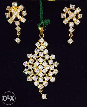 Uncut American diamond pendent set with chain and