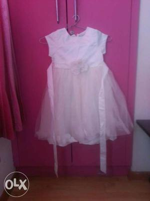 Brand new off white satin~net frock (age 4~6 yrs)