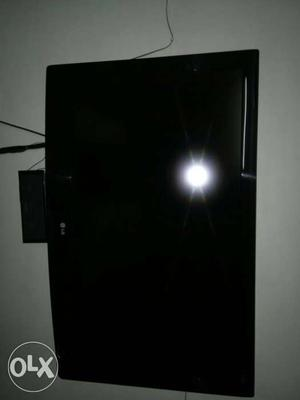 This LG TV Is in very good condition and it's 42