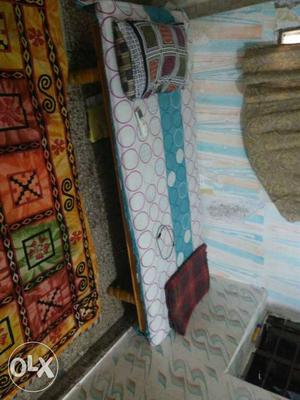 Single beds for sale, size 6*3 feet, at RS. 500
