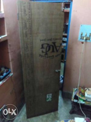 Plywood door. If you want to buy it. Please