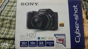 (Fixed price) Sony 20x DSC H20 Camera in perfect condition