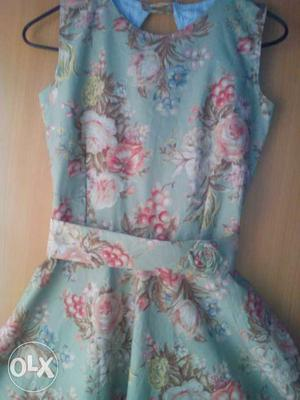 Women's Blue And Pink Floral Sleeveless Dress