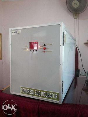 Mini size incubators for home