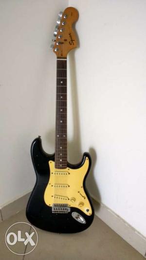 Guitar Fender Squier Strat electric