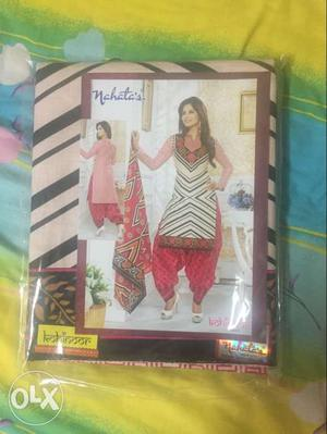 Women's Pink, White And Black Sari In Plastic Pack