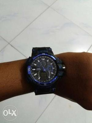 Round Black Face Purple And Black Chronograph Watch With