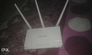 Only 3 months used wi fi router in excellent