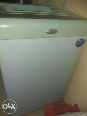 White Whirlpool Top Load Washing Machine