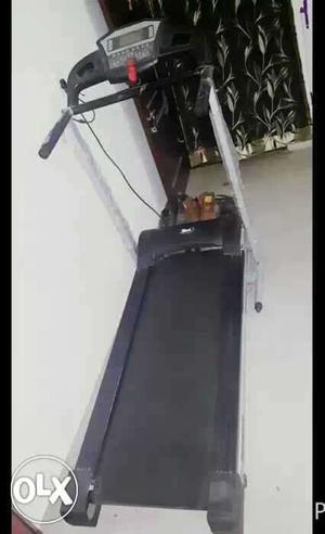 Brend new max company, orbit one treadmill