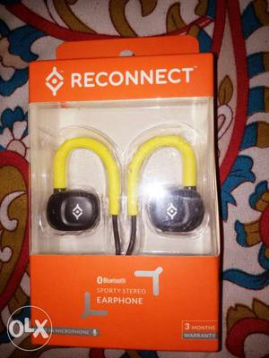 This is genuine wireless headphone with dual mic