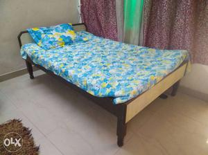 Queen's bed 4.5 *6 feet, can also be used as