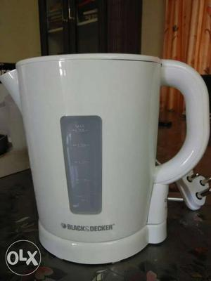 1.7L White Black And Decker Electric Kettle
