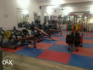 We seles all types of gym machines club set up we