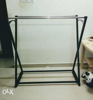 Iron bar stand with excellent condition for sale.