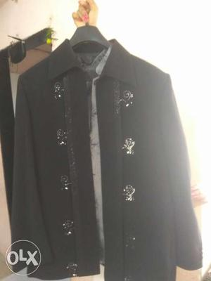 3 peice suit, grey inner, blaack pant,blazer