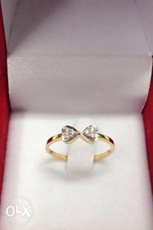Real diamond ring for her,18kt hallmarked