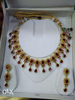 Ruby Very beautiful n elegant necklace with earrings..