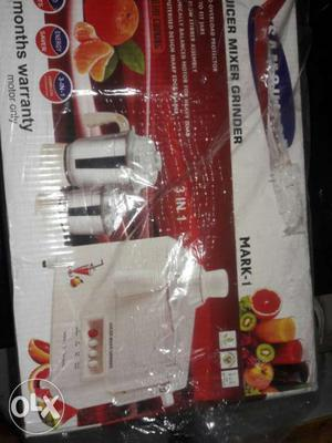 A brand new juicer,mixer,grinder at a cheap rate.