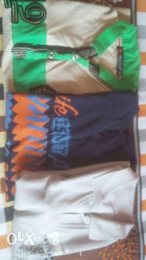 Branded T shirt very good condition 3 t shirts 2