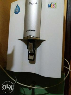 Gray And White Water Purifier