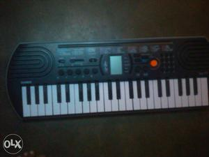 Casio keybord with 100 tunes and a free bag for