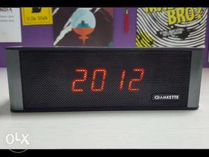 New BLUETOOTH SPEAKER AND Black Camkette Digital Clock
