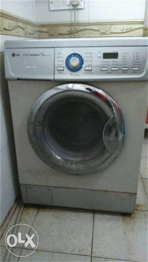 Front Load Fully Automatic 7kg LG washing machine