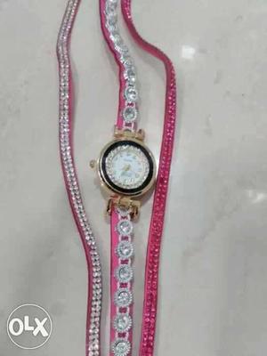 New Bracelet type watch with diamonds for girls