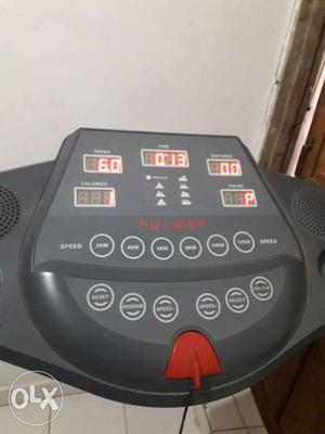 Pulsar Treadmill electronic. 2year old. use nahi