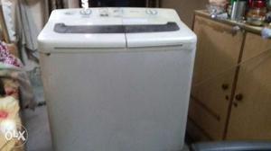 Top load samsung washing machine 3 yr old. dryer