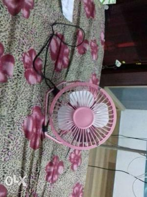 Usb portable table fan. silent operation, can