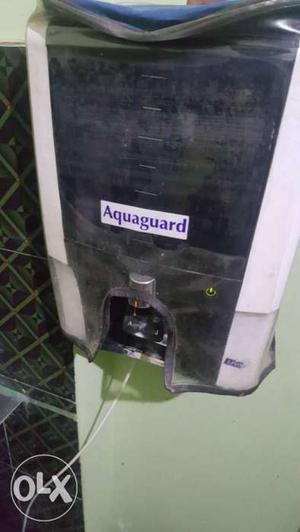 White Aqua Guard Water Purifier