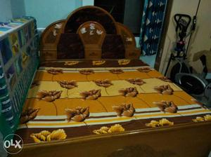 We have a double bed to sell which have following