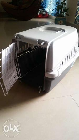 Pet carrier. This is a brand new pet carrier,