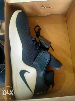 White And Red Nike Athletic Shoe In Box]