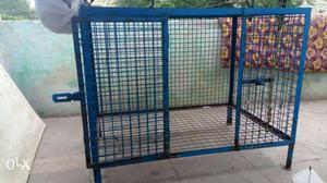 Cage in good condition in low price and size 3×2×2