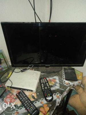"""Samsung 24"""" led TV only in  very good"""
