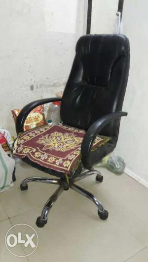 High back revolving chair rs  only