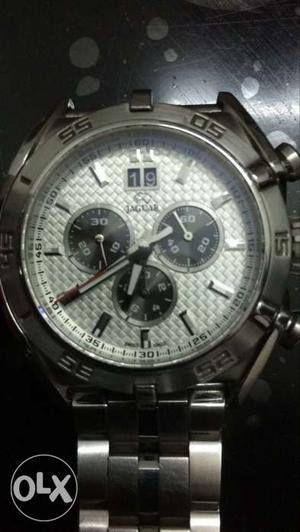 Round Jaguar Chronograph Watch With Silver Link Band