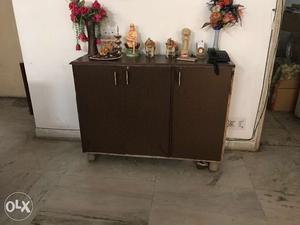 Shoe rack with three drawers