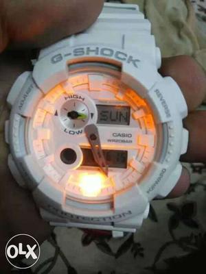 New and OriginalWhite Casio G-shock with Temperature showing